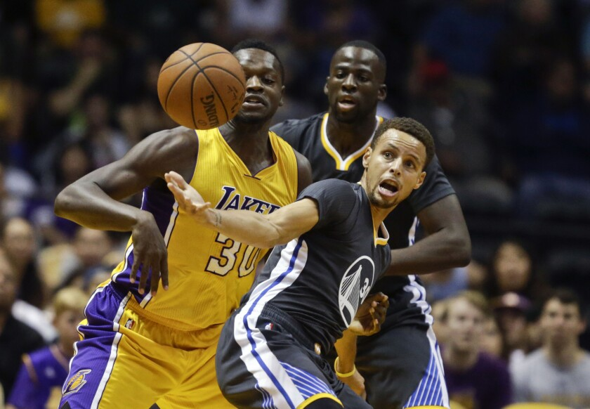 Julius Randle, Stephen Curry