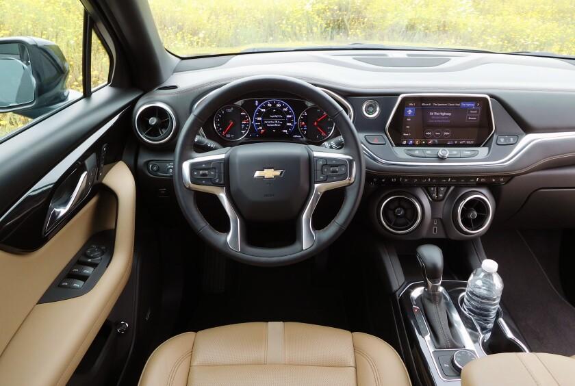 Chevrolet Blazer-3-DriverArea.jpg