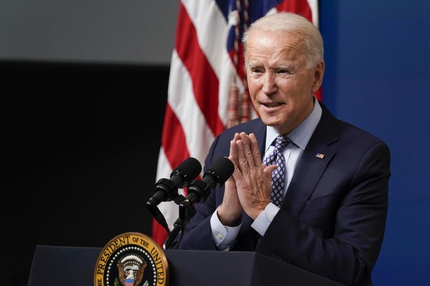 El presidente Joe Biden habla durante un evento en la Casa Blanca, en Washington.