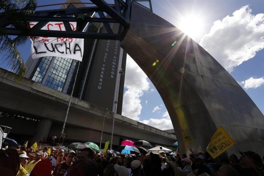 La presidenta de la Asociación de Maestros de Puerto Rico, Aida Díaz, informó de que la entidad que lidera presentó un recurso para que se declare inconstitucional la reforma educativa a través de la Ley 85 2018, promovida por el Ejecutivo de Ricardo Rosselló. EFE/ARCHIVO