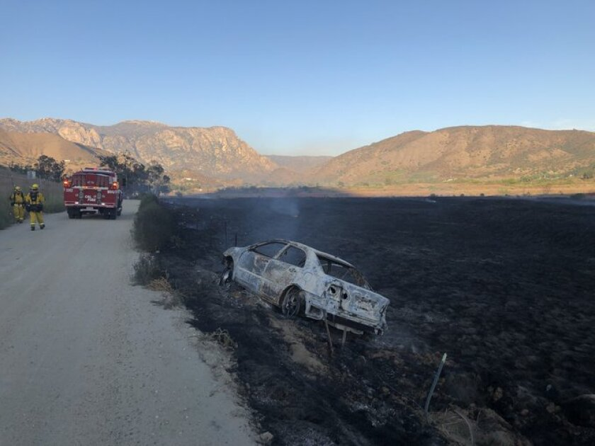 Burning car sparks small brush fire in Lakeside - The San Diego Union-Tribune