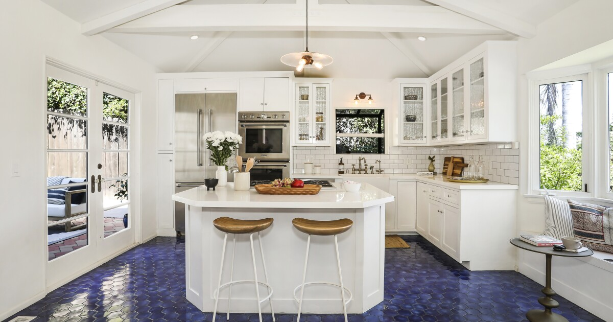 Disney actress Bridgit Mendler looks to sell her place in Silver Lake