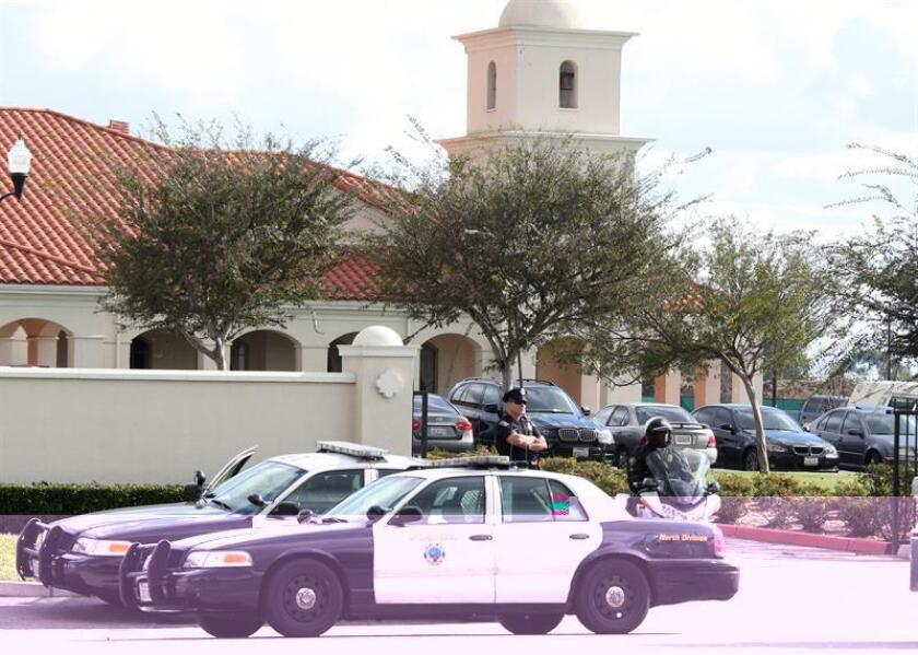 Los dos policías del condado de Miami-Dade envueltos en el tiroteo del pasado viernes que acabó con la vida de un joven de 21 años no llevaban cámaras personales en sus uniformes, informó hoy un medio local. EFE/ARCHIVO