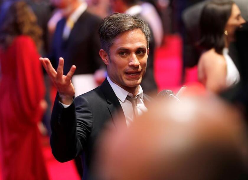 """El actor mexicano Gael García Bernal felicitó al director Alfonso Cuarón por las nominaciones de """"Roma"""" a los premios Óscar. EFE/Archivo"""