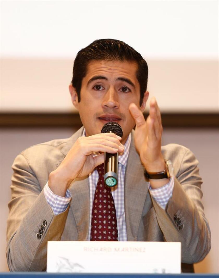 El ministro de Economía y Finanzas, Richard Martínez, habla en rueda de prensa en Quito (Ecuador). EFE/Archivo