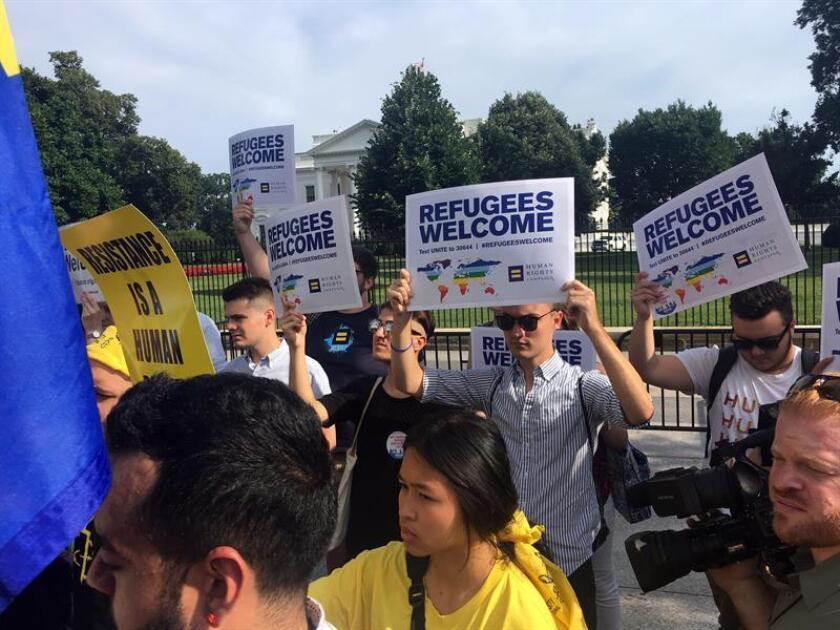 El Gobierno del presidente, Donald Trump, volvió hoy a autorizar la entrada de refugiados de 11 naciones al país, después de 94 días de paralización, y aumentó las medidas de seguridad del Programa de Admisión de Refugiados. EFE/ARCHIVO