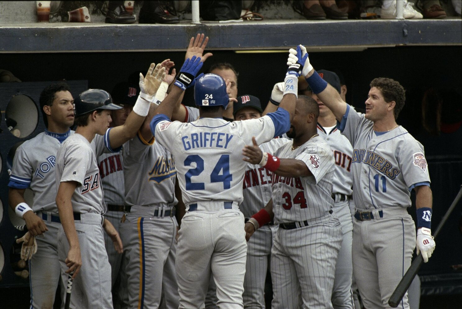 842c7dccc4 The Kid provides The Show: Griffey Jr. wows in San Diego - The San Diego  Union-Tribune
