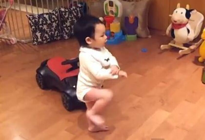 Psy the baby whisperer? Babies love 'Gangnam Style' too