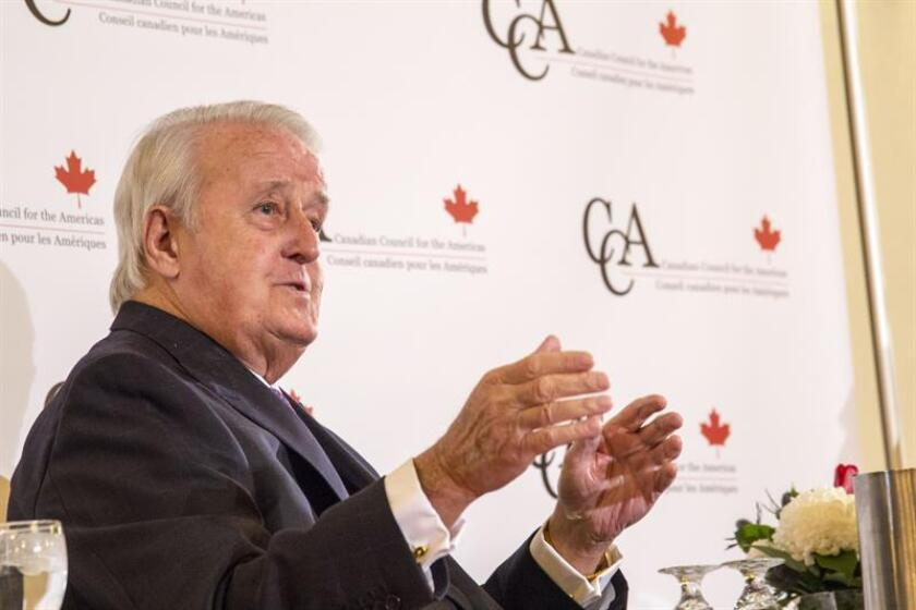 """El exprimer ministro de Canadá Brian Mulroney defendió hoy en Washington la importancia del Tratado de Libre Comercio de América del Norte (TLCAN) y advirtió de que la perfección, en ocasiones, puede ser el """"mayor enemigo de lo bueno"""". EFE/ARCHIVO"""