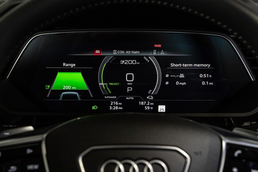Audi-e-tron-Gauges.jpg