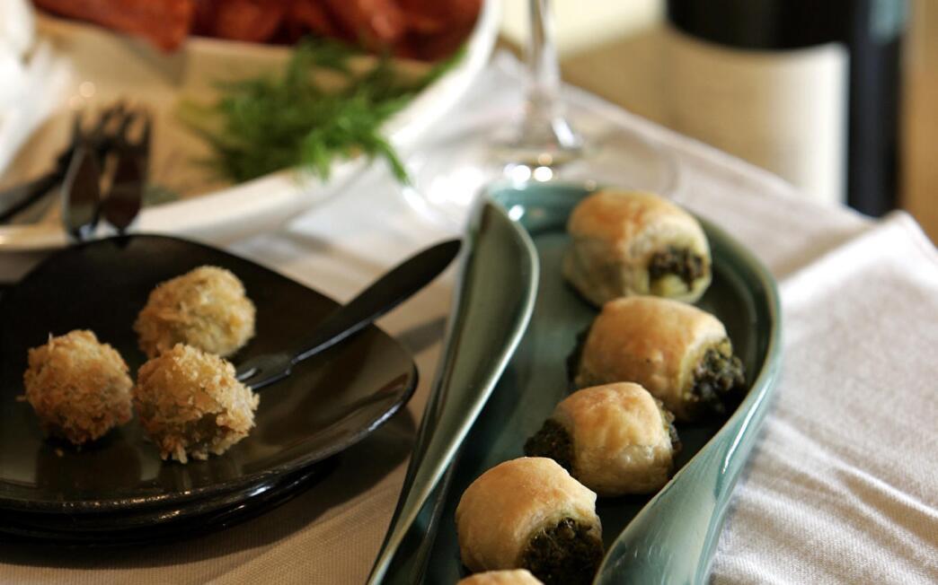 Hazelnut pesto puffs