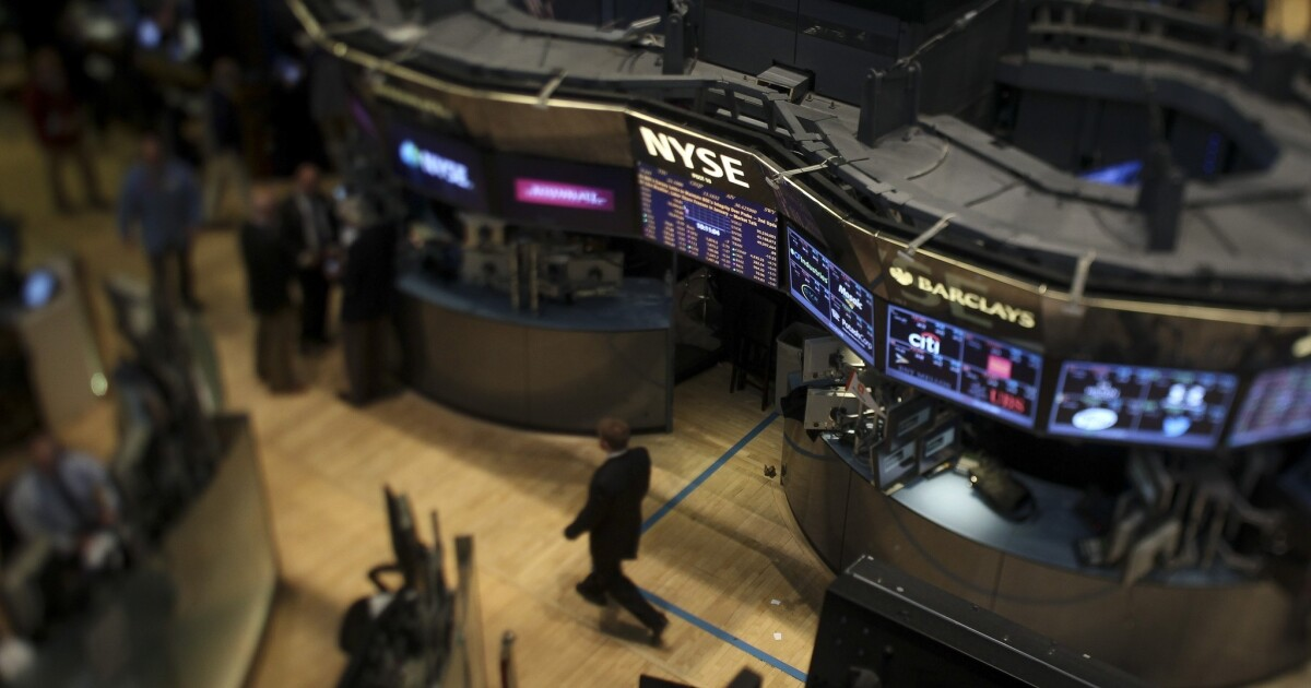 Average Wall Street bonus up 15% in 2013, stands at $164,530
