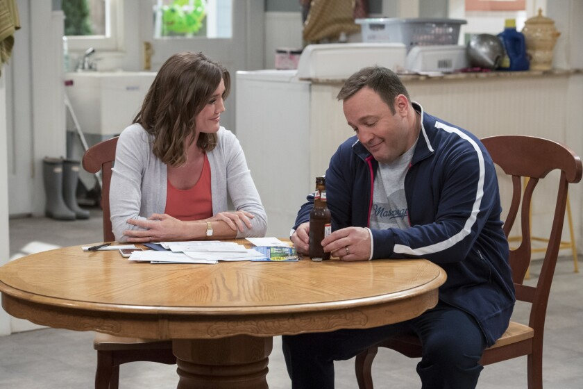 Kevin James and Erinn Hayes