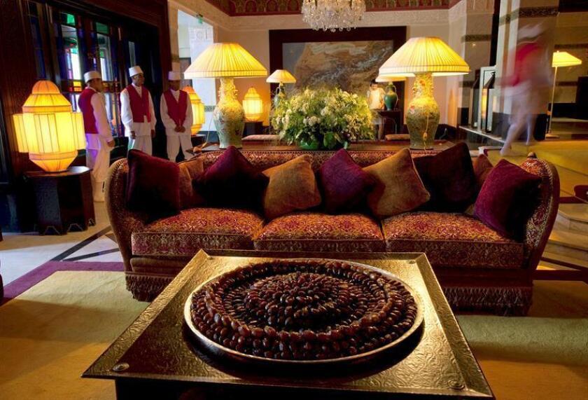 Una bandeja de dátiles da la bienvenida a los huéspedes del hotel La Mamounia en Marraquech. EFE/Archivo