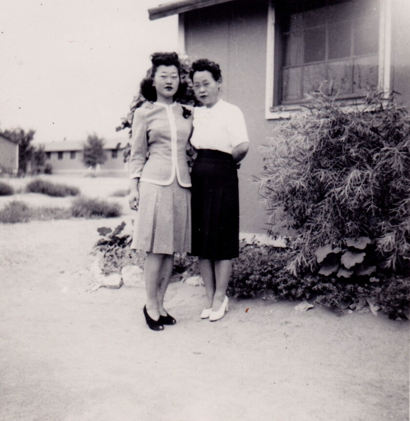 Esther Takei and her mother, Ninoe