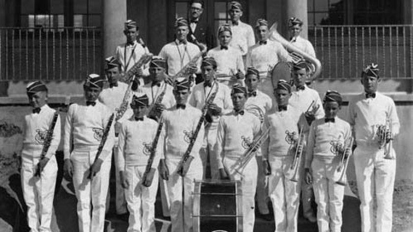 LJ-High-marching-19261