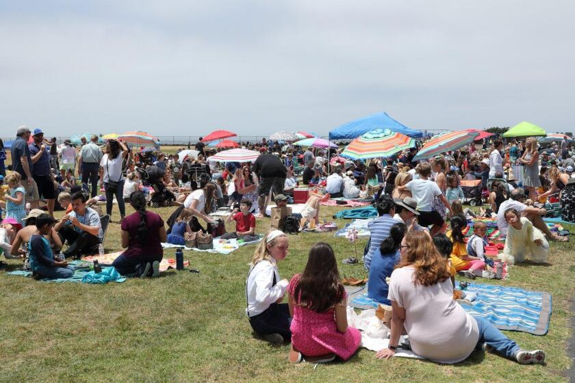 There was a big turnout for the Del Mar Heights School dancefest and family picnic
