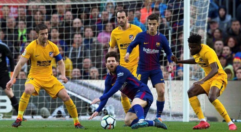 Imagen de un partido de Liga entre FC Barcelona y Atlético de Madrid, la pasada temporada. EFE/Archivo