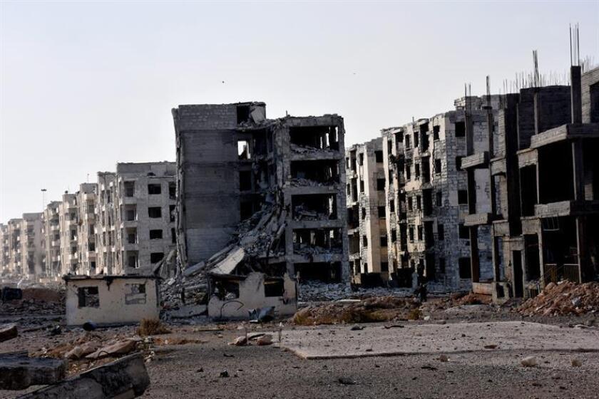 La principal necesidad en el Hospital M2, uno de los mayores del este de la ciudad siria de Alepo (norte), es material de primeros auxilios para atender a los pacientes, alertó hoy a Efe su director, que se identificó como Abu Lui.
