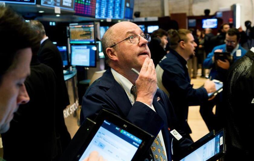 Wall Street cierra a la baja y el Dow Jones cede un 1,16 %