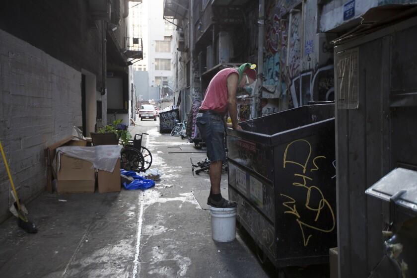 3034974_la-me-lopez-homeless_12.FO.jpg