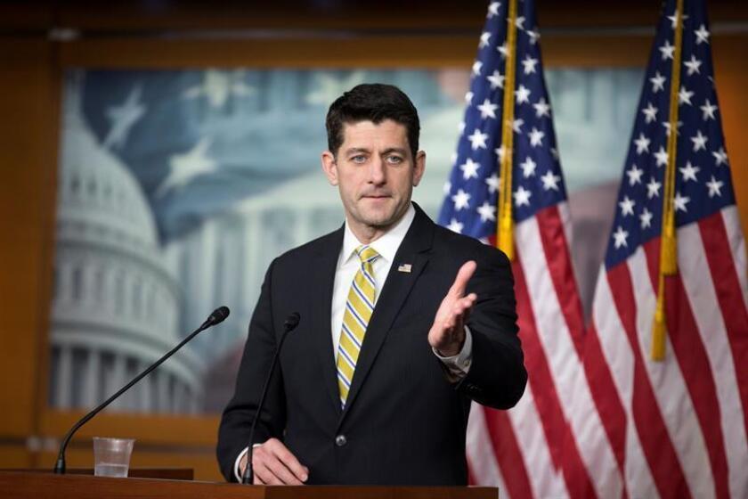 El presidente de la Cámara de Representantes de Estados Unidos, Paul Ryan, ofrece una rueda de prensa tras la reautorización de la Cámara de la Ley de Vigilancia de Inteligencia Extranjera (FISA), en el Capitolio de Washington, EE.UU., el 11 de enero del 2018. EFE