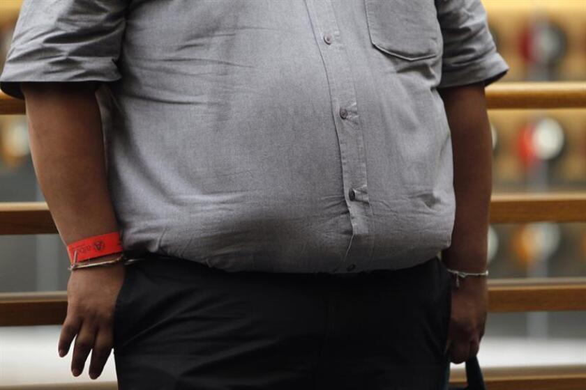 Vista de una persona con obesidad en Ciudad de México (México). EFE/Archivo