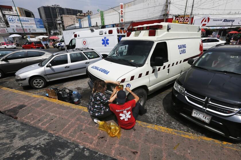 Ambulancias 'piratas' se aprovechan del coronavirus en México
