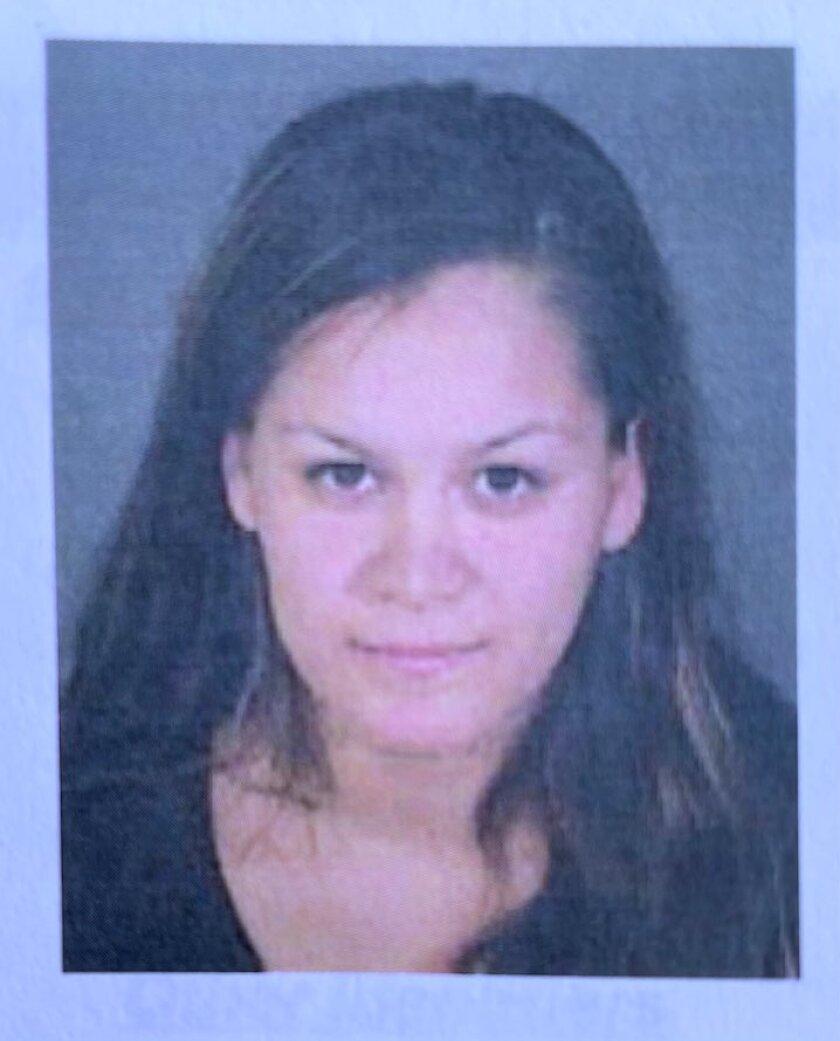 Liliana Carrillo, de 30 años de edad, identificada como la madre de los niños. Fue arrestada en el condado Tulare.