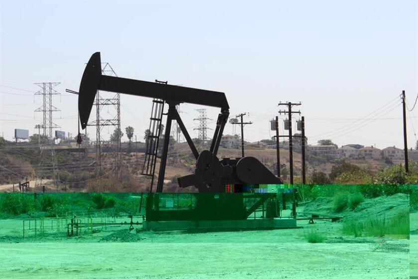 La industria petrolera de Texas, el mayor productor de crudo de EEUU, está a la expectativa de las políticas prometidas por el presidente electo, Donald Trump, que aseguró en campaña electoral que impulsaría medidas proteccionistas y de desregulación del sector. EFE/ARCHIVO