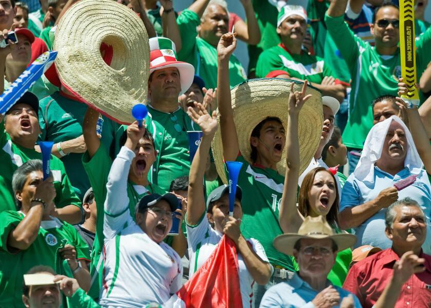 La afición mexicana quiere una victoria sobre Estados Unidos.