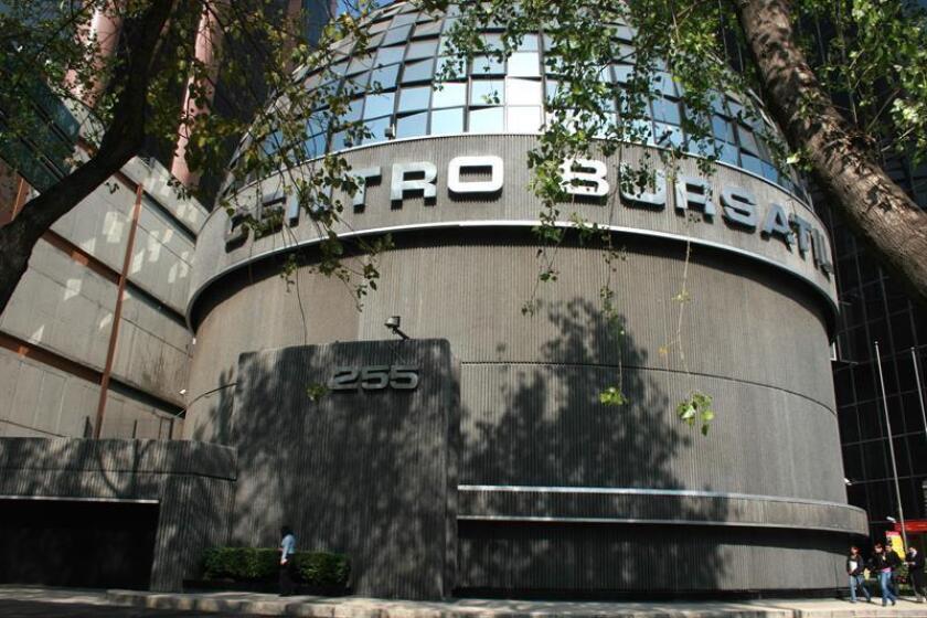 Aspecto del exterior del edificio donde opera la Bolsa Mexicana de Valores (BMV) en Ciudad de México. EFE/Archivo