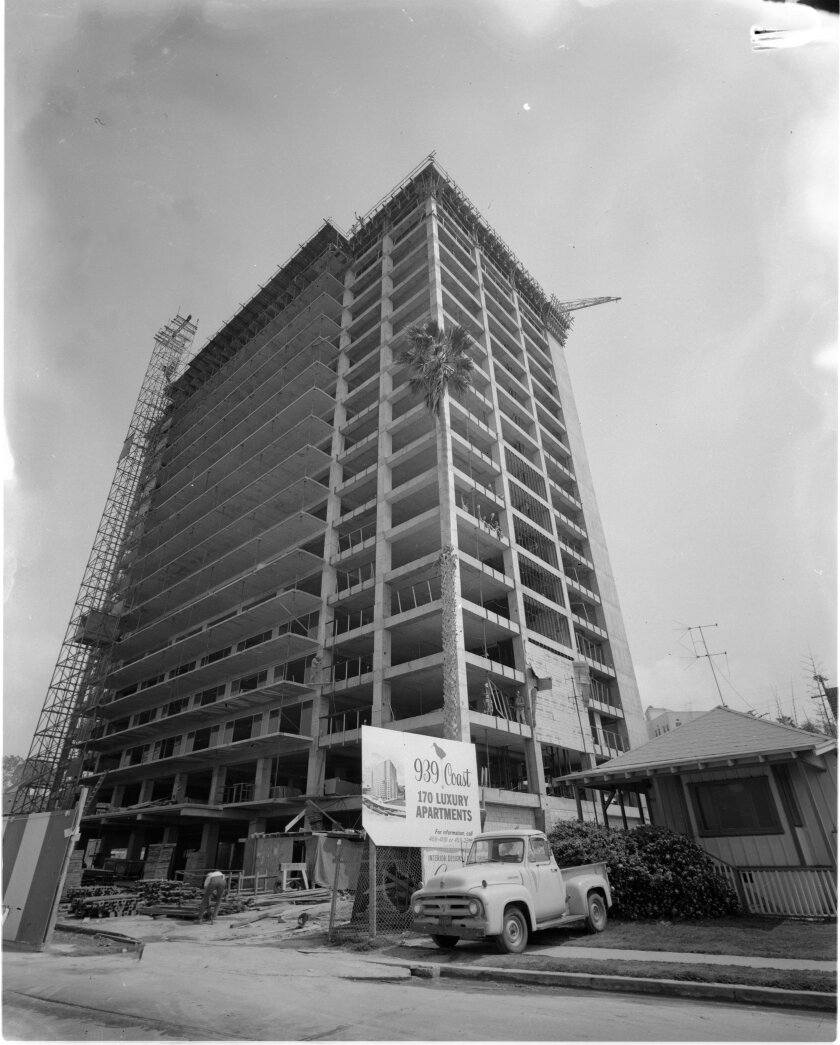 The Huntley Building advertises for wealthy tenants while still under construction in 1964.
