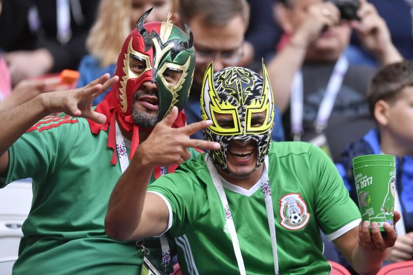 APspanish_CONFEDERACIONES MEXICO-GRITO