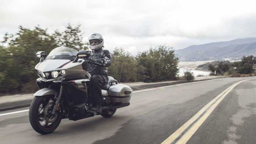 Review: Yamaha's new Star Eluder could compete with baggers