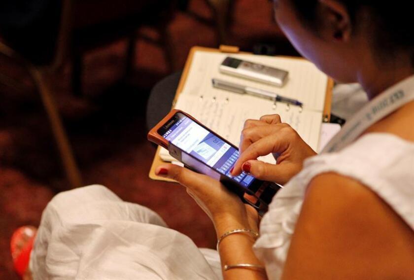 La práctica de consultar un sitio web o aplicaciones móviles para buscar una cura a un síntoma o consultar si este puede significar un padecimiento grave ha cobrado popularidad en el mundo actual; una tendencia a la que busca dar respuesta la plataforma Doctoralia. EFE/Archivo