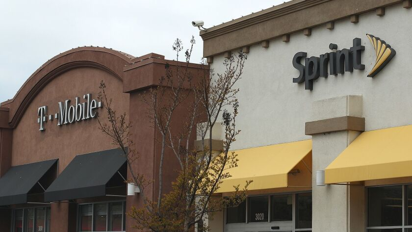 Report says Sprint and T-Mobile merger is in trouble, but company leaders disagree