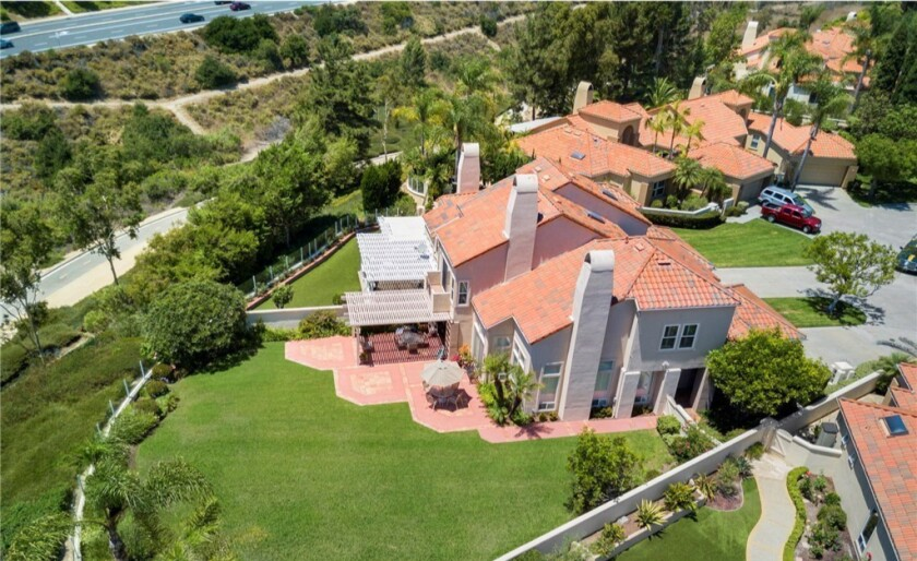 Former UCLA star Carnell Lake makes a quick sale in Laguna Niguel