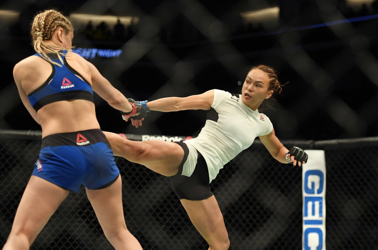 December 17, 2016; Sacramento, CA, USA; Paige VanZant (red gloves) fights Michelle Waterson (blue gloves) during UFC Fight Night at Golden 1 Center. Mandatory Credit: Kyle Terada-USA TODAY Sports ** Usable by SD ONLY **