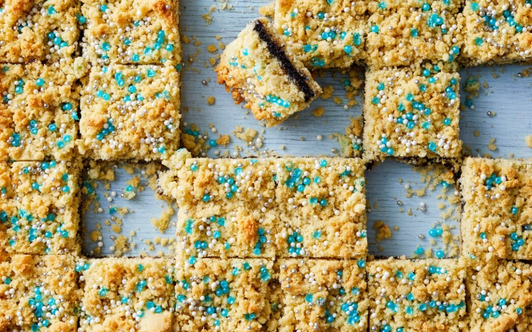 Almond and Orange Shortbread Bars with Poppy Seed Jam