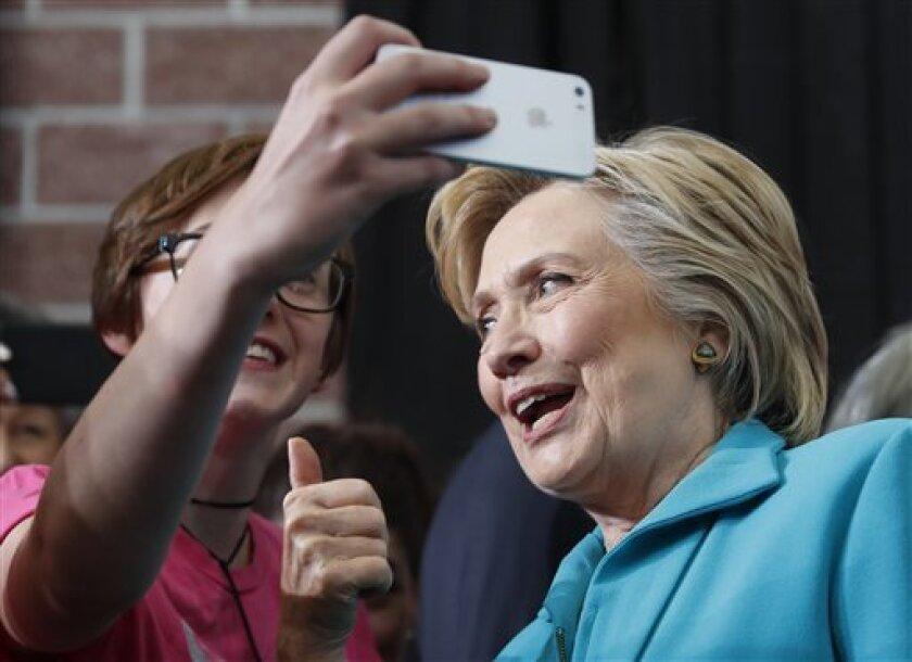 Trump dice que Hillary Clinton debe de mostrar su record medico a la sociedad estadounidense.