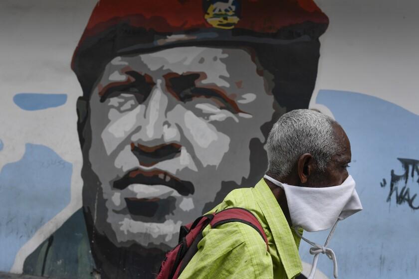Acusan en EEUU a ex enfermera de Hugo Chávez de lavado de dinero