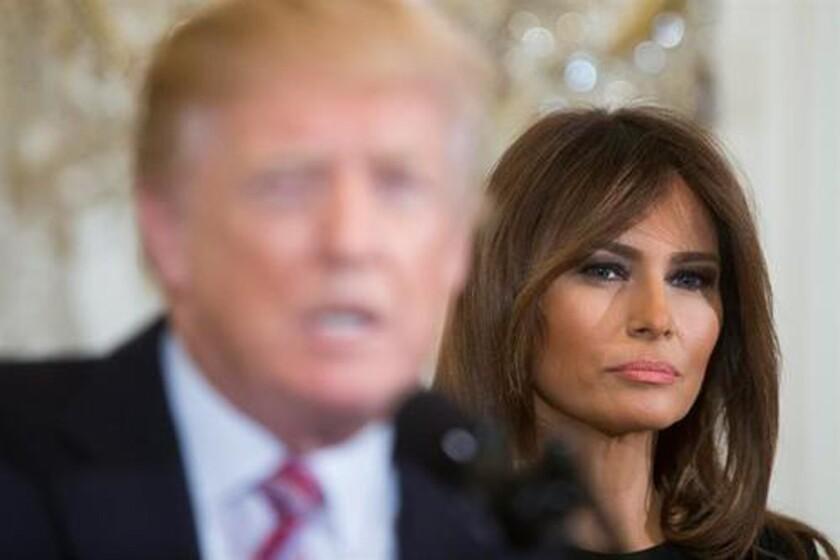 """La primera dama, Melania Trump, obtuvo en 2001 la residencia permanente en EE.UU. gracias a un programa para extranjeros con """"capacidades extraordinarias"""" que se conoce popularmente como la """"visa Einstein"""", según confirmó hoy a Efe su abogado, Michael Wildes. EFE/ARCHIVO"""