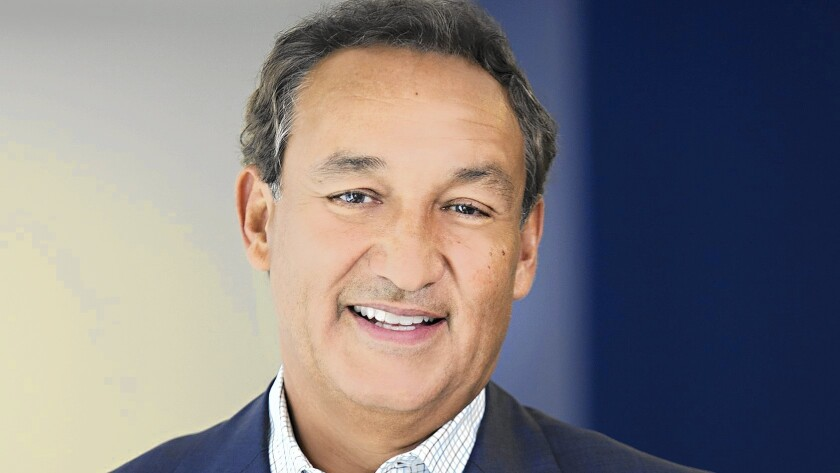 Oscar Munoz will return to work at United Airlines next week, two months after a heart transplant.