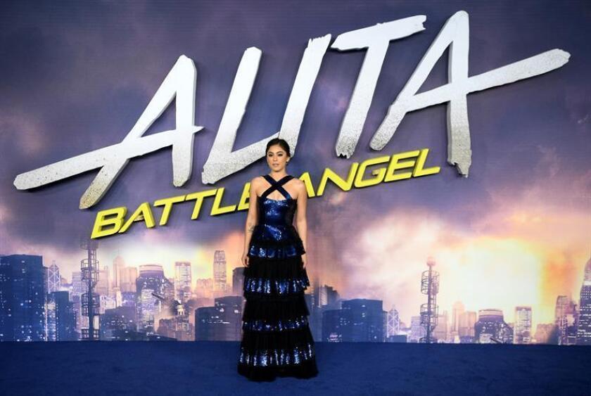 La actriz estadounidense Rosa Salazar posa para los medios durante la presentación internacional de la película ''Alita: Ángel de combate'', el jueves 31 de enero de 2019 en la plaza Leicester de Londres (Reino Unido), cuyo estreno oficial será el próximo 6 de febrero de 2019. EFE/Archivo