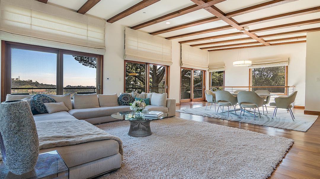 Kristin Davis' Brentwood home | Hot Property