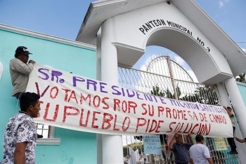 Hasta el 31 de octubre han sido inhumados 351 de los 444 cuerpos bajo resguardo del Servicio Médico Forense, incluyendo a los 322 cadáveres abandonados por esa dependencia y la Fiscalía estatal, informó hoy la Comisión Estatal de Derechos Humanos de Jalisco (oeste de México). EFE/ARCHIVO