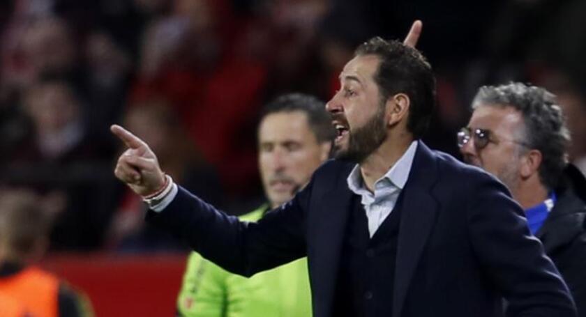 El entrenador del Sevilla FC Pablo Machín durante un partido. EFE/Archivo