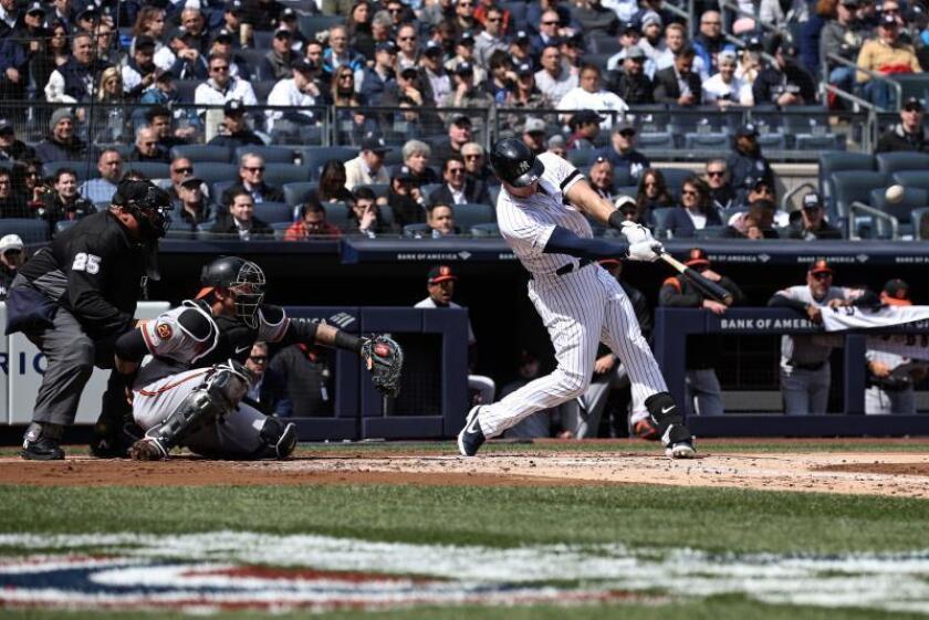 El bateador de los Yankees de Nueva York Luke Voit.. EFE/Peter Foley/Archivo