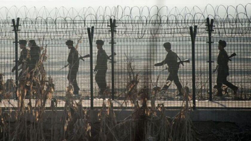 Debido al aumento de control en la frontera con China, los norcoreanos ya no pueden conseguir ni siquiera productos básicos como arroz y aceite.